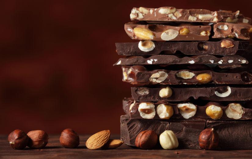 NAISED, LUBAGE TÄNA ENDALE ŠOKOLAADI: Tume šokolaad võib asendada toidulisandeid