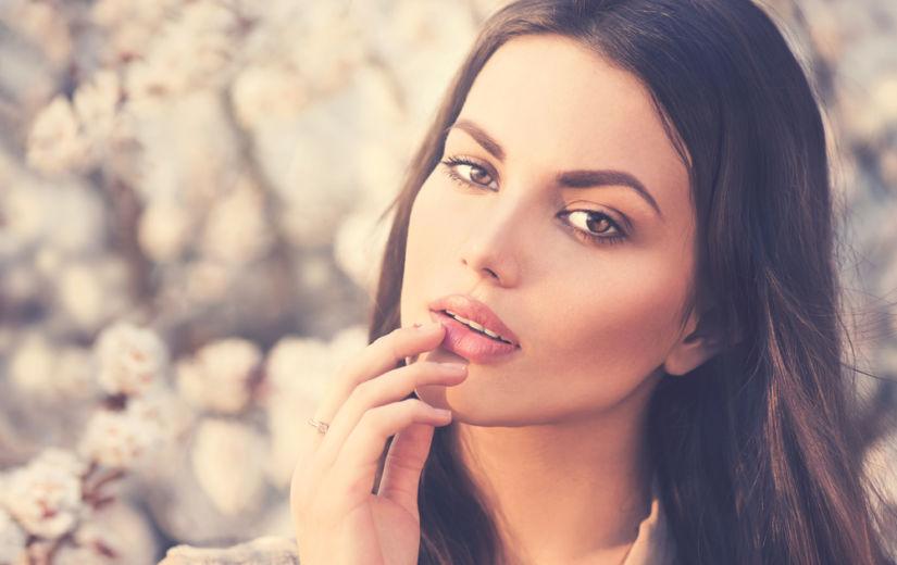 RIITSINUSÕLI: silub kortsusid ja stimuleerib ripsmekasvu