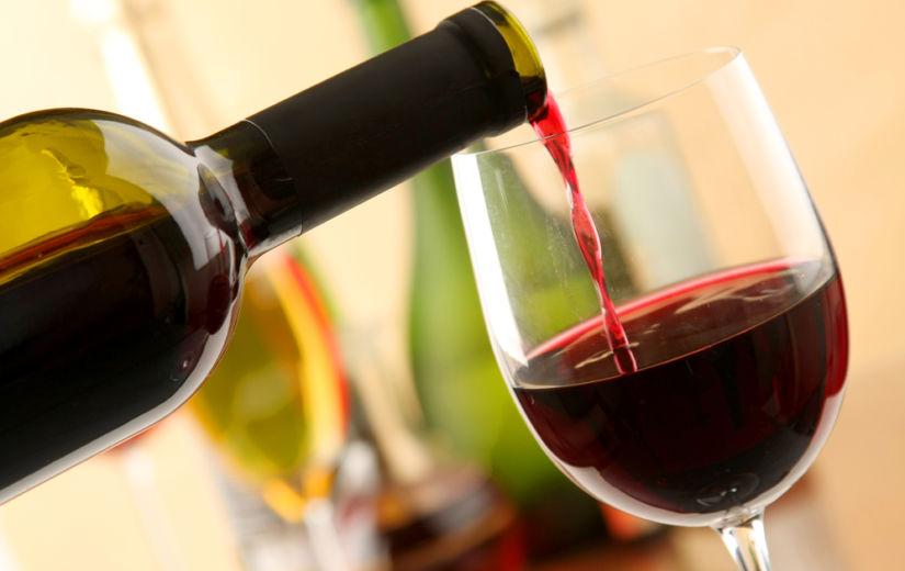 KINNITATUD! 2 klaasi punast veini enne magama minekut aitab kaalu langetada