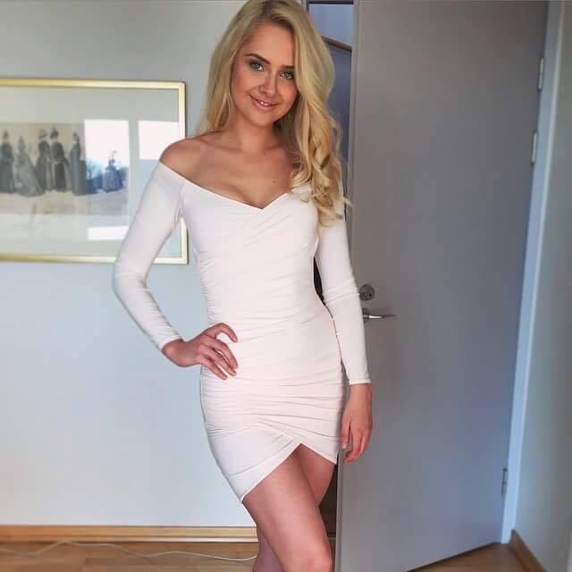 Brigitte Susanne Hunt (hot) - Page 4 14138493_10207063602681681_325943135_n