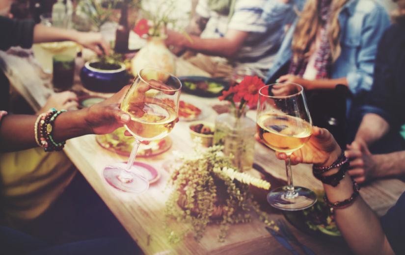 LÄHED TÄNA PEOLE? Vaata, milline alkoholijook sisaldab kõige vähem kaloreid!