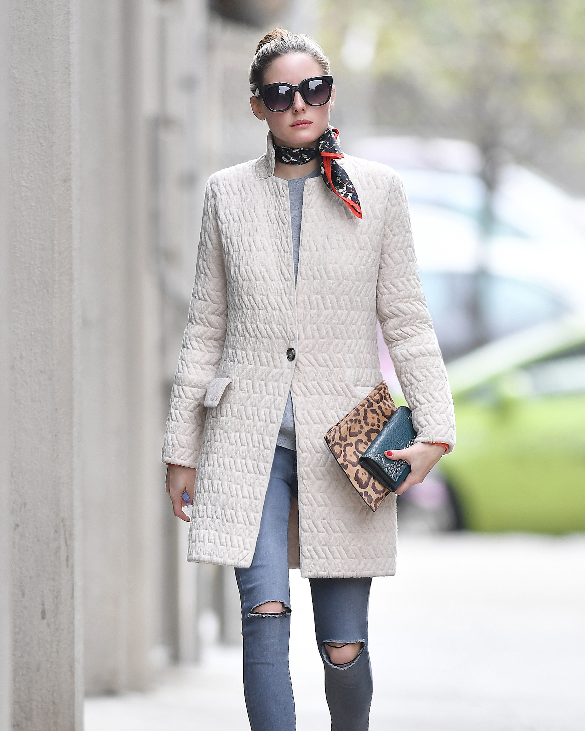 EXCLUSIVE: Fashion blogger Olivia Palermo wears a scarf while out and about in Brooklyn, New York. Pictured: Olivia Palermo Ref: SPL1479936 150417 EXCLUSIVE Picture by: Frank Sullivan/Splash News Splash News and Pictures Los Angeles:310-821-2666 New York:212-619-2666 London:870-934-2666 photodesk@splashnews.com