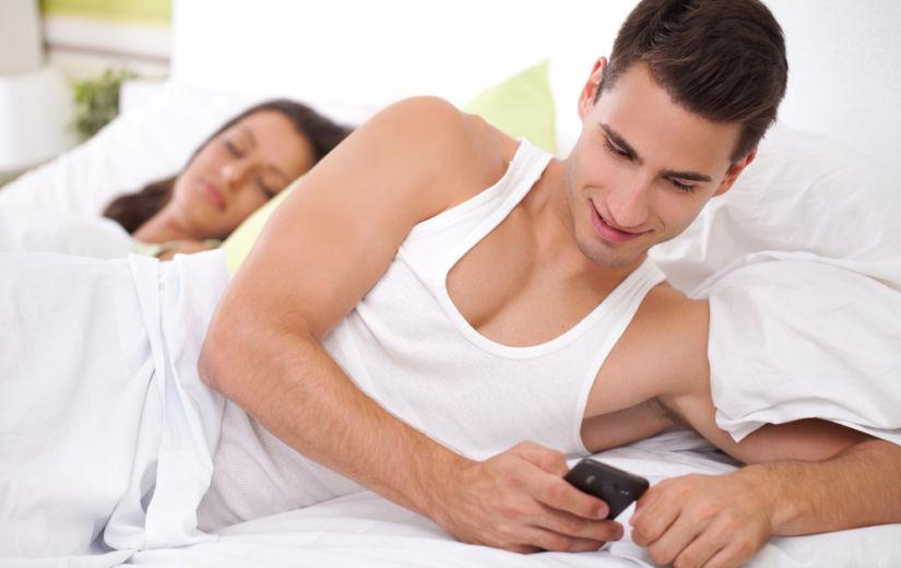 11 kahtlast asja, mida mehed teevad ja mis on sama halvad kui petmine