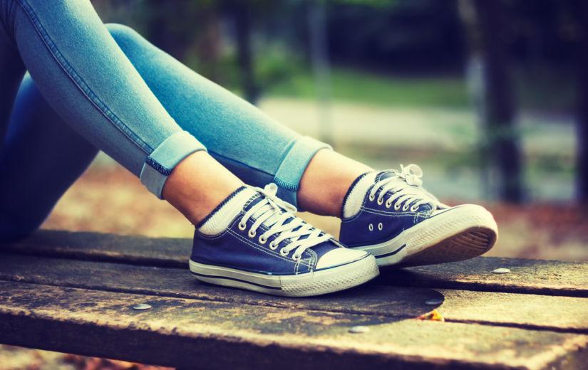 LUGEJAKIRI: Teismeliste mood kanda tenniseid ja kukekaid pükse võib lõppeda tõsise liigesepõletikuga!